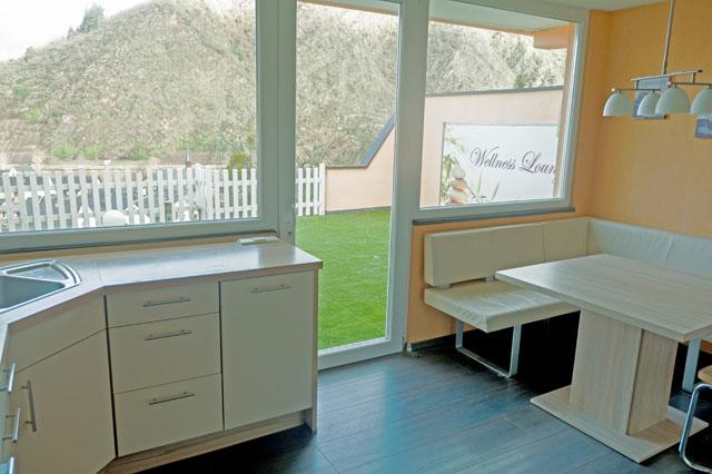 anita 39 s ferienhaus cochem mosel ferienwohnung oase mit mosel burgblick und sauna garten kamin. Black Bedroom Furniture Sets. Home Design Ideas